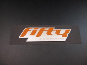 Fifty 3d debossed aluminium embleem